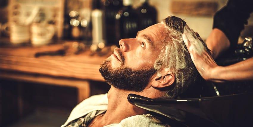 مراحل غسل الرأس بعد عملية زراعة الشعر